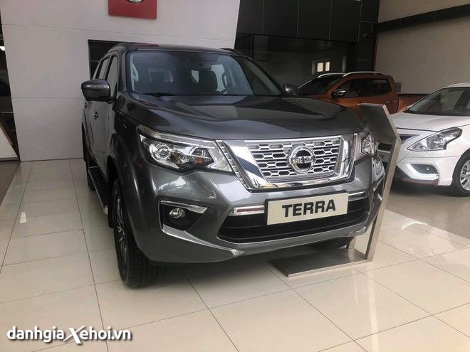 Đánh giá xe Nissan Terra 2022: Tân binh đáng chú ý trên thị trường SUV 7 chỗ