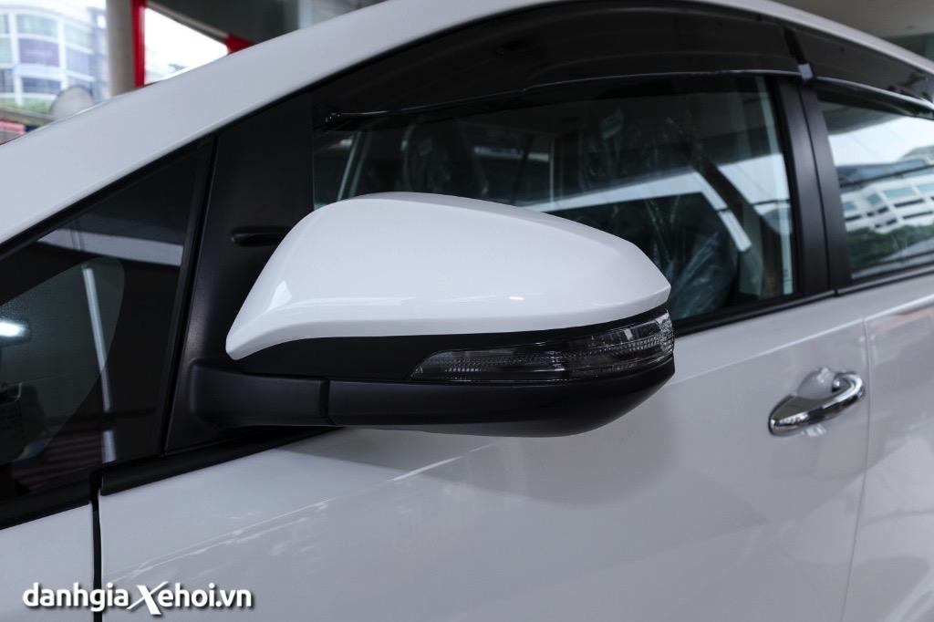 guong-chieu-hau-toyota-innova-2021-danhgiaxehoi-vn