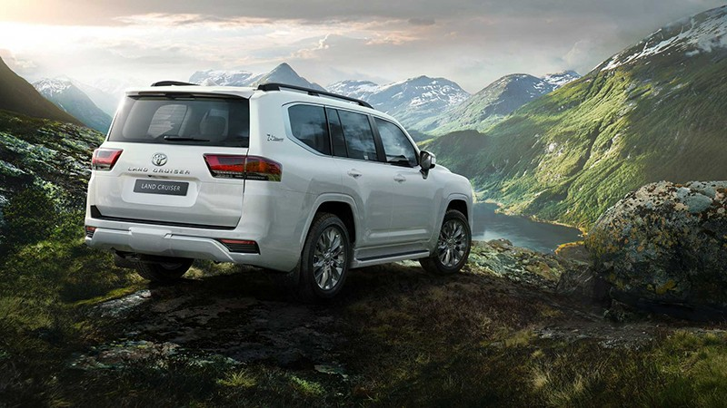 Những điểm mới cực hấp dẫn trên Toyota Land Cruiser 2022 sắp bán tại Việt Nam