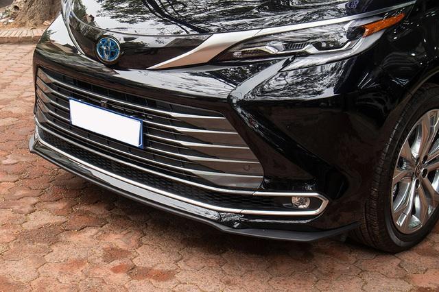 danh gia xe toyota sienna 2021 giaxehoi vn 1 - Cận cảnh Toyota Sienna 2021 đầu tiên tại Việt Nam, giá bán dự đoán hơn 4 tỷ đồng