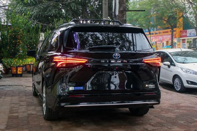 danh gia xe toyota sienna 2021 giaxehoi vn 8 - Cận cảnh Toyota Sienna 2021 đầu tiên tại Việt Nam, giá bán dự đoán hơn 4 tỷ đồng