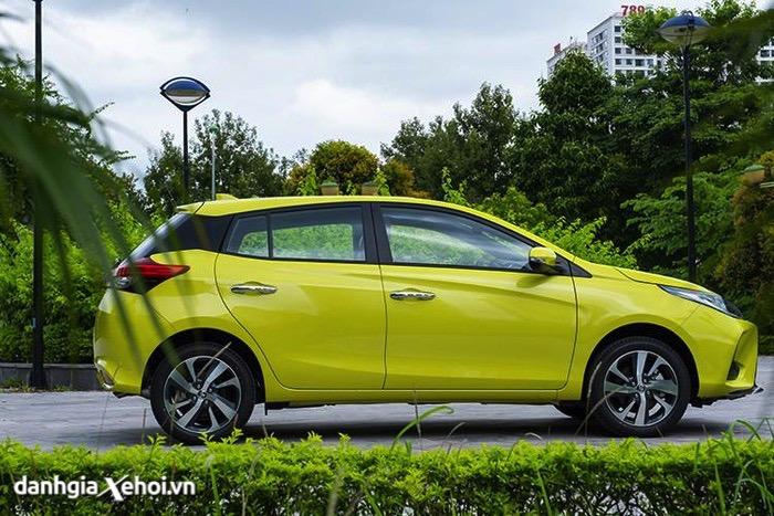 hong-xe-toyota-yaris-2021-hatchback-danhgiaxehoi-vn-12