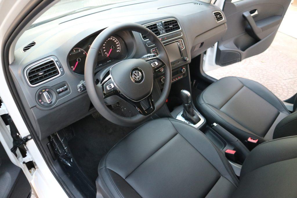 noi-that-xe-vw-polo-hatchback-2021-giaxehoi-vn