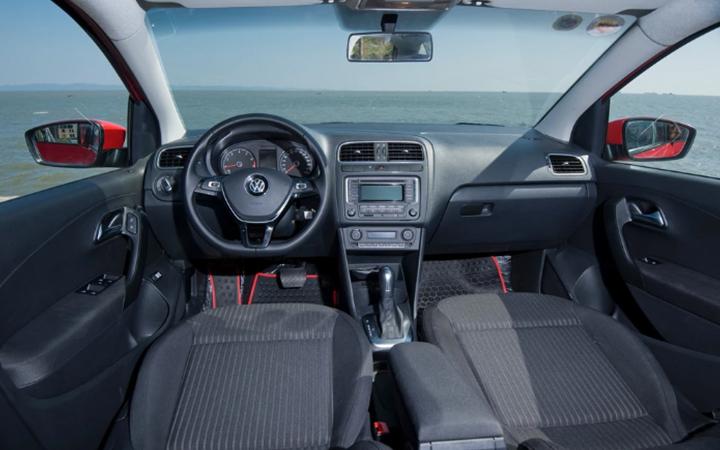 noi-that-xe-vw-polo-sedan-2021-giaxehoi-vn