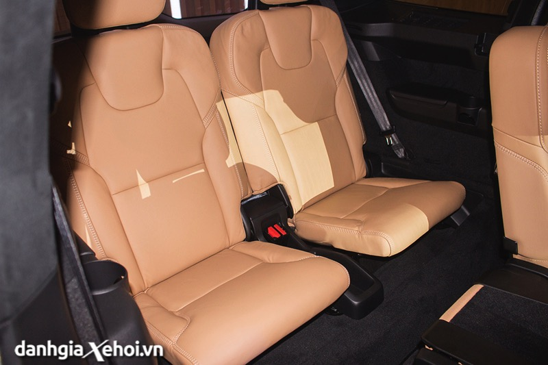 Hang-ghe-thu-3-xe-Volvo-XC90-T8-Recharge-2021-Danhgiaxehoi-vn