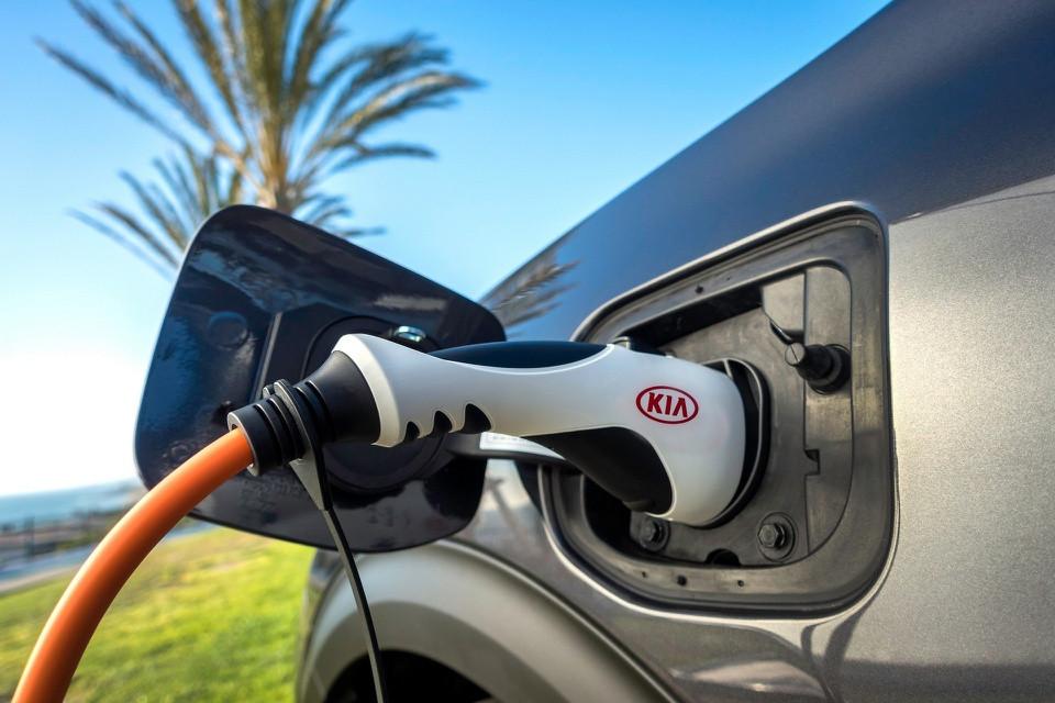 Giới thiệu xe Kia Niro 2022: Giá rẻ, nhiều tiện ích cùng tính năng an toàn