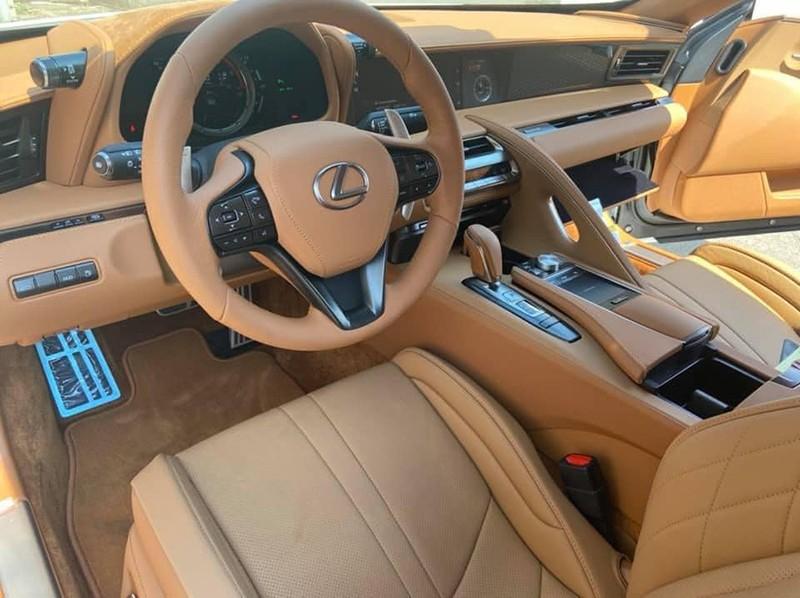 Đánh giá xe Lexus LC500 Convertible 2022 (Mui trần): Đắt đỏ và sang trọng
