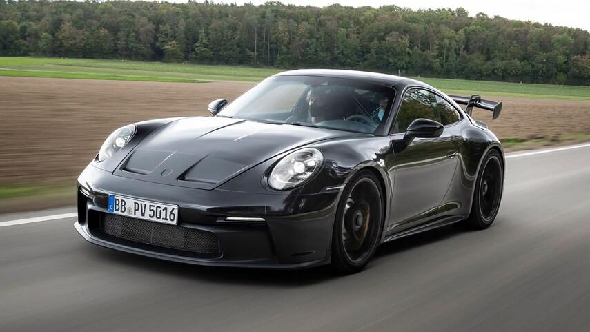 Porsche 911 GT3 2022 mới ra mắt đã khiến khách hàng xuýt xoa