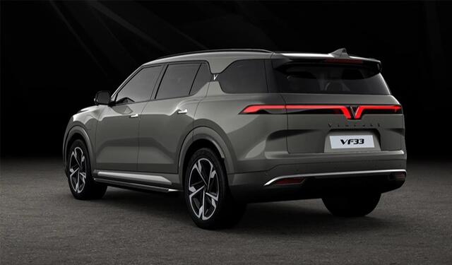 1 Phac thao Vinfast VF33 duoi xe giaxehoi vn - Giới thiệu 3 mẫu xe Ô tô điện Vinfast: Công nghệ ấn tượng, di chuyển được 300 - 500km mỗi lần sạc