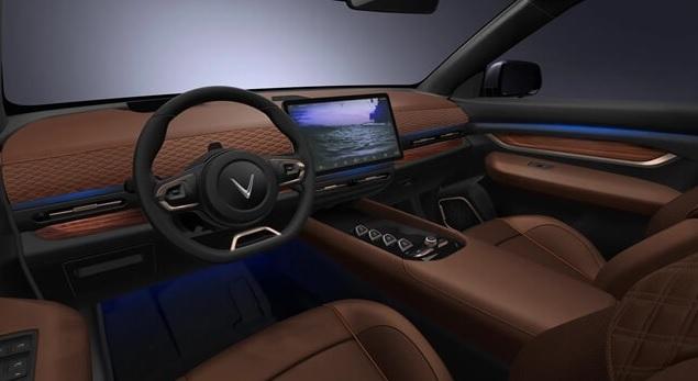 1 Phac thao Vinfast VF33 khoang lai mau nau giaxehoi vn - Giới thiệu 3 mẫu xe Ô tô điện Vinfast: Công nghệ ấn tượng, di chuyển được 300 - 500km mỗi lần sạc