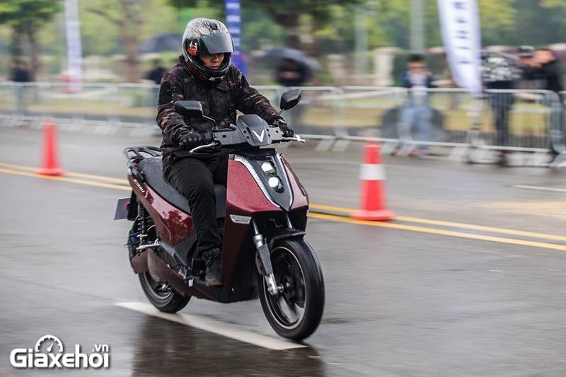 Lai thu xe Vinfast Theon 2021 Giaxehoi vn - Giới thiệu 2 mẫu xe điện Vinfast mới ra mắt - bộ đôi xe máy điện Feliz và Theon