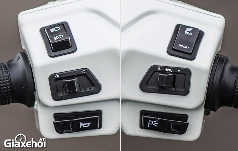 nut bam may dien Vinfast Feliz 2021 Giaxehoi vn - Giới thiệu 2 mẫu xe điện Vinfast mới ra mắt - bộ đôi xe máy điện Feliz và Theon