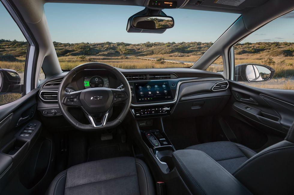 """Soi chi tiết Chevrolet Bolt EV 2022: SUV thuần điện hạng C """"đồng điệu"""" với Vinfast VF e34"""
