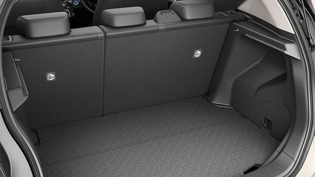 """Chi tiết xe Toyota Aqua 2022 - hybrid cỡ nhỏ, giá từ 18.000 USD, chỉ """"nhâm nhi"""" 3 lít xăng/ 100km"""