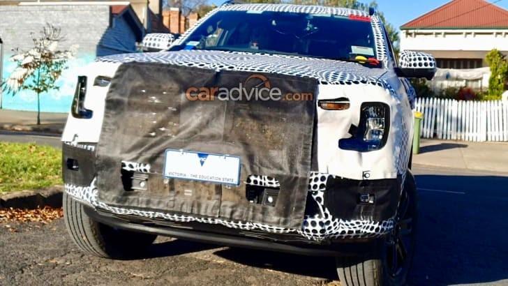 Ford Everest 2022 chạy thử trên đường công cộng. Ảnh: Caradvice.com