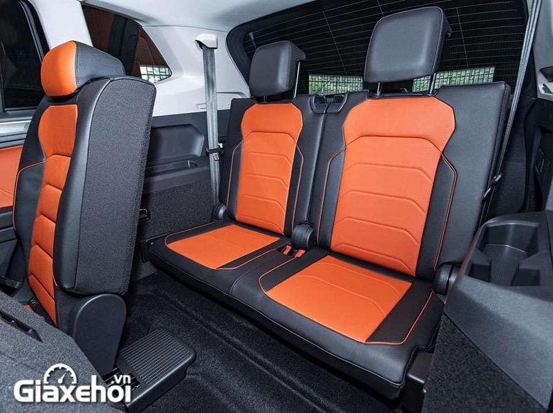 hang ghe thu 3 xe volkswagen tiguan luxury s giaxehoi vn 1 - Xe 5+2 chỗ là gì? Top những mẫu xe 5+2 chỗ nổi bật tại Việt Nam