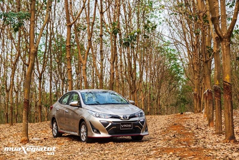 Mua xe chạy dịch vụ, chọn Honda City E, Vios E CVT hay Hyundai Accent AT?