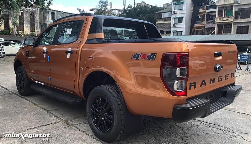 So sánh xe bán tải Nissan Navara 2022 và Ford Ranger 2022